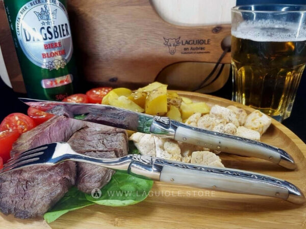 horn tip steak knife and fork laguiole