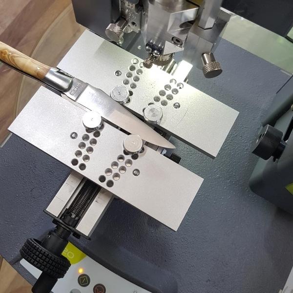 laguiole blade engraving