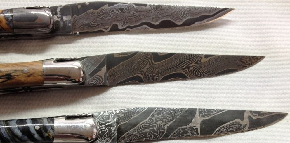 damascus blade on laguiole knives